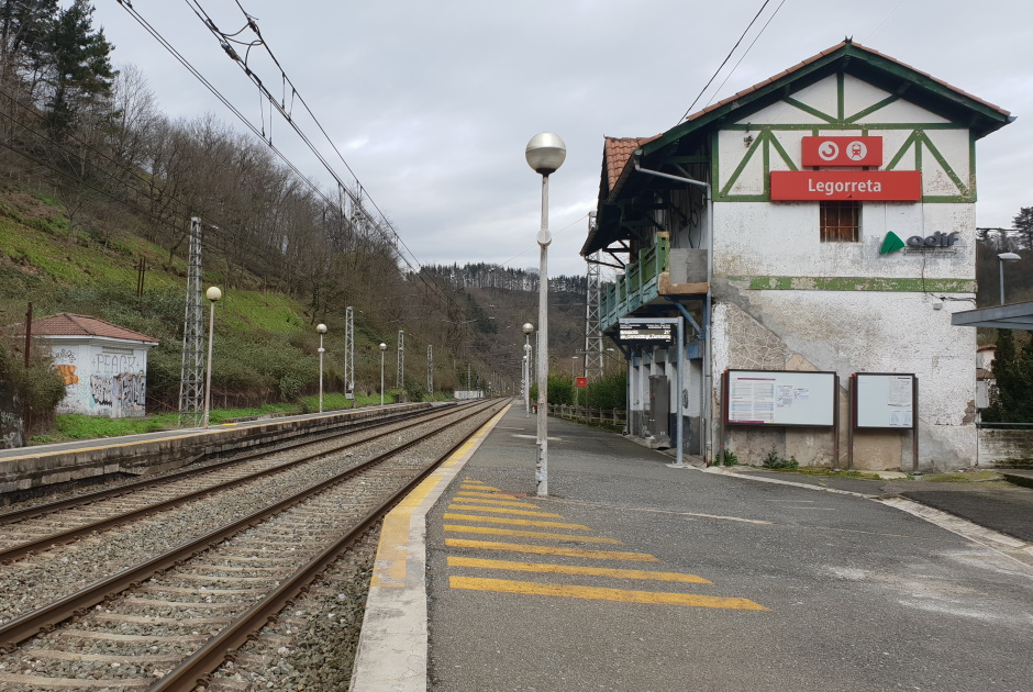 ESTEYCO, AWARDEE OF TWO CONTRACTS BY ADIF FOR 1,4 MILLION €, TO PROVIDE WITH CROSSINGS BETWEEN PLATFORMS TO SEVERAL STATIONS IN THE BASQUE COUNTRY, GALICIA, ANDALUCÍA AND MURCIA